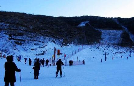 新立湖滑雪场